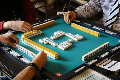 每日打麻将财神方位查询表2021年,打麻将方位2021每天财神方位