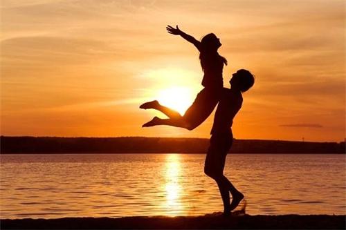 什么星座结婚后还保持热恋状态,婚后恩爱有加的星座组合